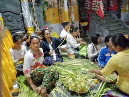Upakara Pengatep Karya-Pujawali Ring Desa Adat Bebetin
